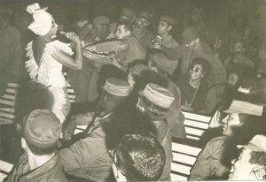 Josephine Baker canta en un campamento en Cuba en 1966. (Foto Cortesía Jaime Jaramillo)